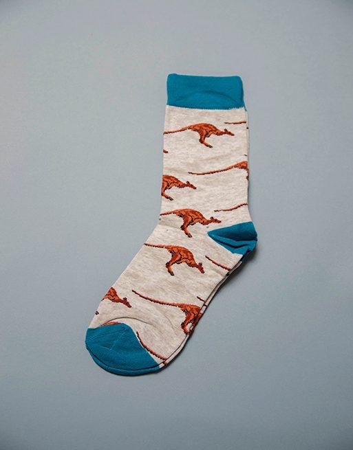 גרביים בצבע לבן עם קנגורו מקפץ