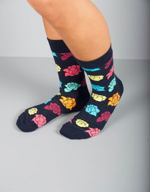 גרביים בצבע כחול כהה עם פרחים בשלל צבעים