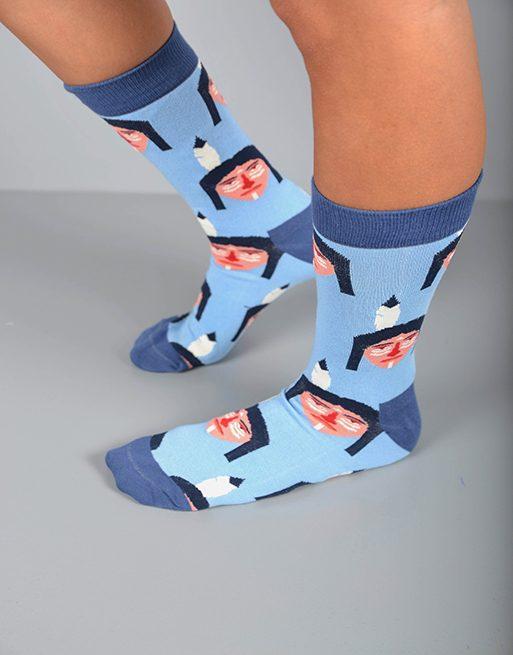 גרביים בגווני תכלת עם אינדיאני ראש נוצה