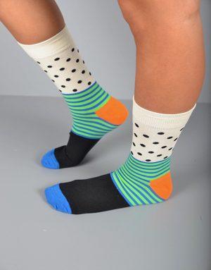 גרביים מסקרנים בצבעים ייחודים