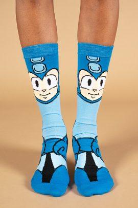גרביים בעיצוב מגה מאן